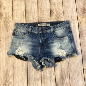 Zara short distressed jean shorts
